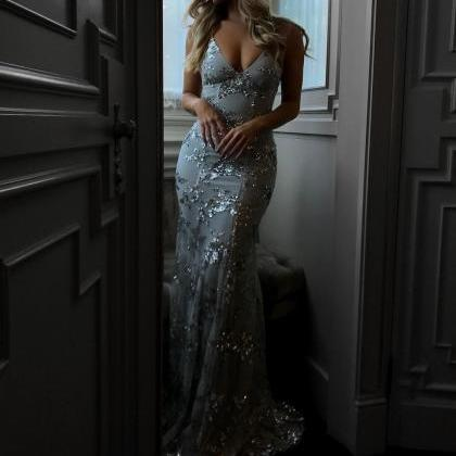 Sexy V-neck Tulle Long Mermaid Prom..
