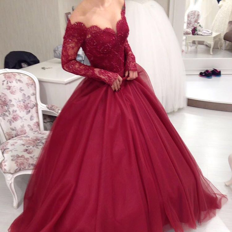 Charming Burgundy Lace Ball Gown Prom Dresses,Long Sleeves Wine Red V-neck Evening Dresses,Sexy Evening Prom Gowns,Long Dress ,Tulle Prom Gown