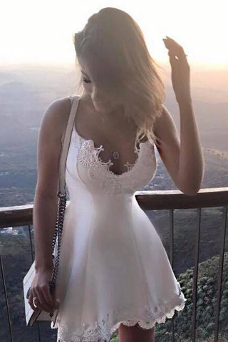 Lovely Homecoming Dress,A-Line Homecoming Dresses,Spaghetti Straps Homecoming Dresses,White Homecoming Dresses,Short Homecoming Dress With Appliques