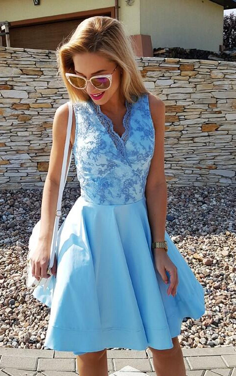 Sexy Blue Lace Homecoming Dress,Sleeveless Party Dress,V-Neck Short Prom Dresses,Satin Graduation Dress,Homecoming Dress