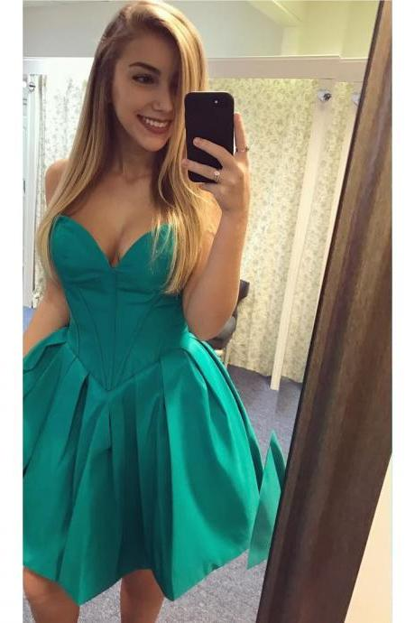 Simple Green Satin Prom Dresses Short Homecoming Dresses A-line Sexy Party Graduation Dresses Sweetheart Evening Dresses Formal Gowns for Teens Girls