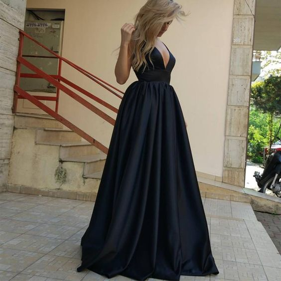 Spaghetti Straps Black Long Prom Dresses
